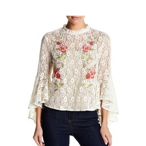 🍅Flying Tomato Floral Lace Bell Sleeve Blouse NEW